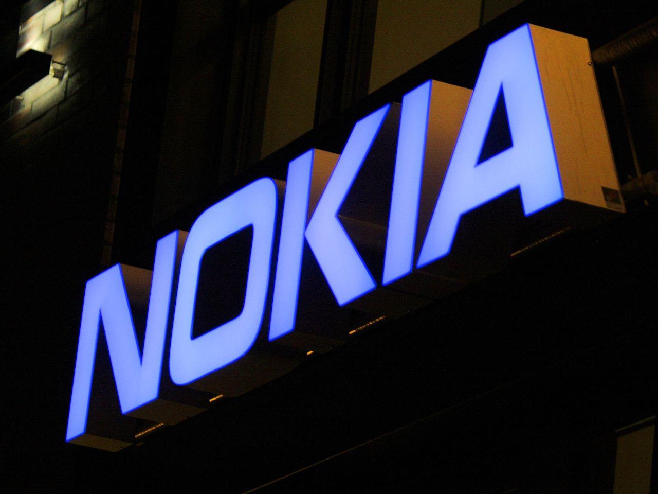 Alguna de estas fotografías filtradas podría acabar siendo el diseño final de la carcasa trasera del Nokia 1